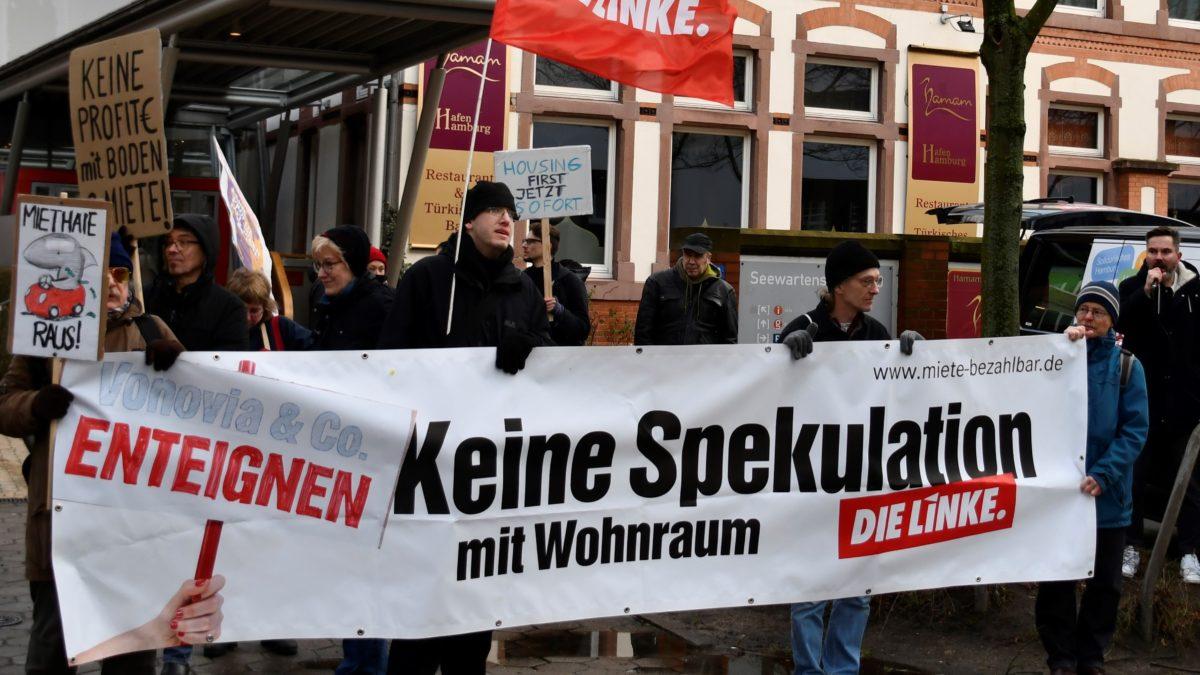 Mietendeckel und mehr Sozialwohnungen gefordert – Demonstration gegen Hamburger Immobilienforum